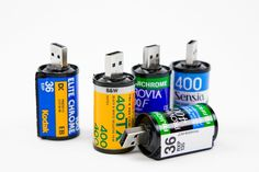 USB Film Roll - Here is another great little idea by Photojojo. This time however, they're repurposing the film canisters for USB drive holders. Each canister holds a drive. Usb Drive, Usb Flash Drive, Giveaways, Modern Photographers, Cool Tech, Photography Tips, Photo Gifts, Rolls, The Incredibles