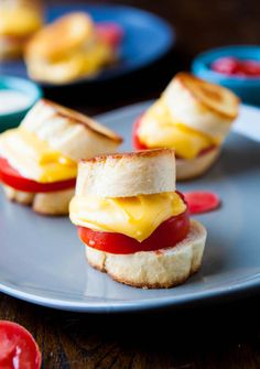 Cutest hors d'oeuvres everrrrr: mini grilled cheese.