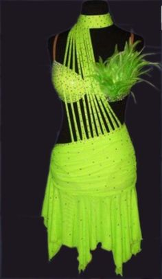 of i had tis dress i would go to a new night club every chance id get!!!my favorie color!