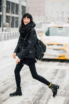 1c772c6b7ac946 New York Fashion Week Street Style NYFW F W 17  streetstyle  model