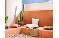 f you haven't yet ventured into the orangeland in your mid-century decor, today we are sharing with you six amazing ways you can use orange in your home. Orange Home Decor, Mexican Home Decor, Orange House, Garden Deco, Interior Decorating, Interior Design, Boho Room, Interior Garden, Mid Century Decor