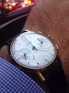 omegaforums: Vintage Zenith Hand-Wound Chronograph In Gold - http://omegaforums.net