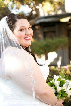 {Real Plus Size Wedding} Dusty Pink and Black DIY Wedding | Meghan Wiesman Photography | Uptown Image Salon | Makeup Artist: Michelle Desmond | Floral Designer: VONS- Raylenn | Pretty Pear Bride