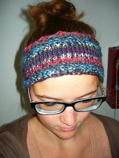 Ein gestricktes Stirnband