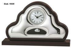 Elegancki srebrny zegar wahadłowy, stanowi doskonały prezent z okazji urodzin. #podziekowania #rocznica #slub