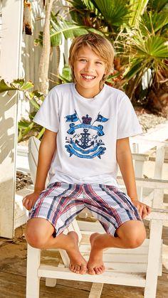 Com - shop online coastal living kids outfits, kids fashion boy y t Young Cute Boys, Cute Teenage Boys, Teen Boys, Kids Boys, Cute Kids, Fashion Kids, Little Boy Fashion, Boy Models, Child Models