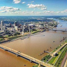 #Repost @rockcreekaviation  St. Louis you beautiful city you! #stlouisgram #stlouis #stl #stlouisarch @gatewayarchstl @downtownstlouis #mississippi