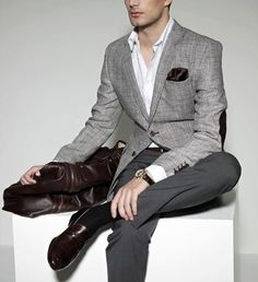Grey checked blazer with elbow patches, white shirt, grey trousers, with brown dress shoes. Accessories brown pocket square and black watch. Mens Fashion Blog, Fashion Blogger Style, Fashion Killa, Men's Fashion, Mens Style Guide, Men Style Tips, Modern Gentleman, Gentleman Style, Sharp Dressed Man