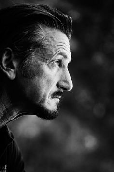 Sean Penn l Portrait Photography Photo Portrait, Portrait Photography, Men Portrait, Black And White Portraits, Black And White Photography, Kino Movie, Living Puppets, Martin Schoeller, Sean Penn