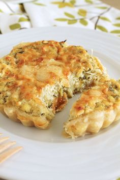 Aromatic tart with zucchini and feta and greek ricotta type cheese. Pureed Food Recipes, Greek Recipes, Cooking Recipes, Quiche, Greek Cooking, Greek Dishes, Appetisers, Different Recipes, The Best