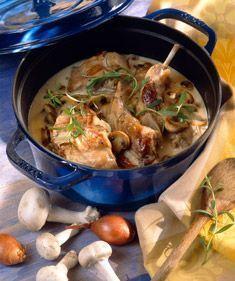 Lapin aux champignons en cocotte / Rabbit stew with mushrooms Squirrel Food, Rabbit Food, Rabbit Stew, Nigerian Food, My Best Recipe, Healthy Eating Tips, Pinterest Recipes, Meat Recipes, Food Inspiration