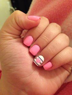 Pink nail design <3