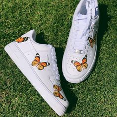 Nike Shoes OFF! Best Toddler Shoes, Butterfly Shoes, Orange Butterfly, Monarch Butterfly, Nike Shoes Air Force, Cute Sneakers, Shoes Sneakers, Vans Shoes, Shoes Sandals