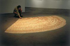 Gabriel Orozco - Mi mano es la memoria del espacio 1991. Cucharas de madera para helado