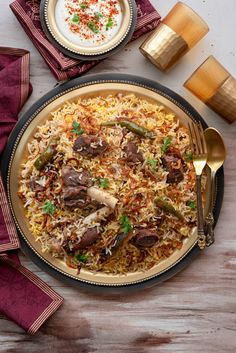 Best Lucknowi Mutton Yakhni Pulao Recipe Step by Step. How to make Yakhni Pulao. Gosht yakhni pulao is from Awadhi recipes, a signature dish of basmati rice cooked in spices infused mutton stock. Pastas Recipes, Chicken Recipes, Lasagna Recipes, Cod Recipes, Kale Recipes, Carrot Recipes, Eggplant Recipes, Noodle Recipes, Fudge Recipes
