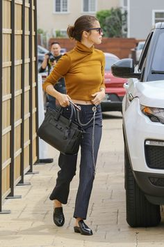 Selena Gomez Wears the Jeans Every It Girl Is Making a Thing via @WhoWhatWear