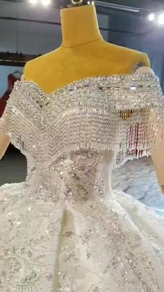 Formal Dresses For Women, Social Events, Perfect Woman, Bridal Outfits, Wedding Party Dresses, Evening Gowns, Corset, Weddings, Womens Formal Dresses