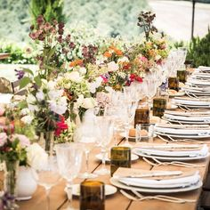 Now THAT'S a dining table!  flowers by @stiattifiori styling and wedding planning by @italian_eye and photography by Adriana Chechi  link in profile