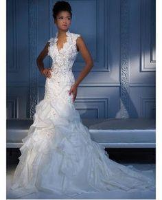 Search Used Wedding Dresses & PreOwned Wedding Gowns For Sale Used Wedding Dresses, Wedding Dress Styles, Wedding Attire, Bridal Dresses, Wedding Gowns, Wedding Bells, Wedding Venues, Pnina Tornai Dresses, Wedding Dress Gallery