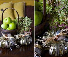 Mason Jar Lid Pumpkin Display
