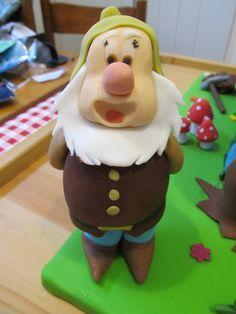 #Gongolo, i #sette #nani, #biancaneve in #pdz (#pasta di zucchero). #Cake Design
