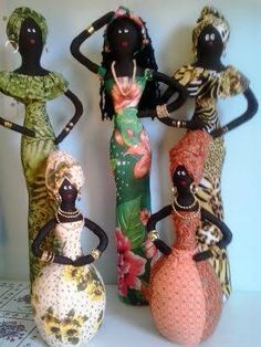 African Negritas African Dolls, African Art, African Crafts, Fabric Dolls, Fabric Art, Tropical Art, Doll Tutorial, Soft Dolls, Bottle Crafts