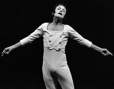 Image associée Mime Marceau, Overalls, Pants, Image, Dresses, Fashion, Vestidos, Moda, Trousers