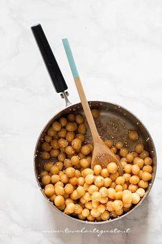 Come condire gli struffoli - Ricetta Struffoli Italian Cake, Sicilian Recipes, Xmas Food, Cookie Desserts, Cake Cookies, Meal Planning, Cheesecake, Food And Drink, Sweets
