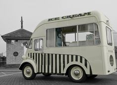 Ice Cream <3 Mobile Cafe, Mobile Shop, Mobile Food Trucks, Food Vans, Step Van, Ice Cream Van, Food Truck Design, Vintage Ice Cream, Vintage Trucks