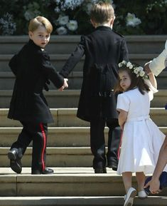 Prince George and Princess Charlotte arriving for Uncle Harry and Aunt Meghan's wedding