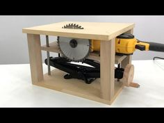Diy Furniture To Sell, Diy Furniture Plans Wood Projects, Metal Furniture, Woodworking Tools For Beginners, Woodworking Techniques, Woodworking Projects Diy, Woodworking Ideas Table, Wood Shop Projects, Diy Pallet Projects