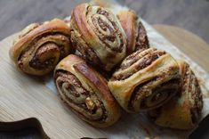 Kanelgifler m. dadler/cinnamon rolls with dates