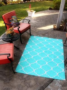5 Ways to Reinvent Drop Cloth: How to Make a Painted Indoor/Outdoor Rug >> http://www.diynetwork.com/decorating/5-easy-decor-projects-to-make-from-a-canvas-drop-cloth/pictures/index.html?soc=pinterest