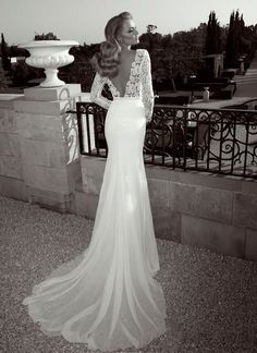 Love the back opening and the material of the wedding dress. #weddingdress #weddinginspiration #andoraa andoraafashion@gmail.com