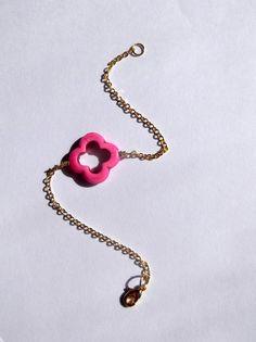 Pink Magnesite Open Clover Gemstone and Gold bracelet