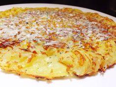 Batata Suíça ou Rosti que faz sucesso no Cuecas na Cozinha - queijo gorgonzola derretido por cima é um delicioso opcional para incrementar a receita.