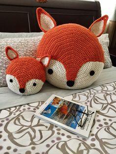 Fox almohada de ganchillo
