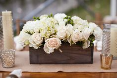 beautiful centerpiece in a wooden box | Honey Heart Photography #wedding