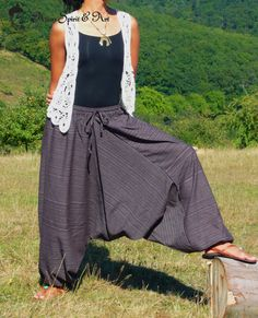 Medium weight cotton harem pants in dark grey - Find our shop at http://stores.ebay.de/Asian-Spirit-and-Art or connect with us on facebook http://www.facebook.com/asian.spirit.art