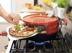 Conheça o forno portátil que assa pizza em 6 minutos - além de deixar sua massa igual de pizzaria!