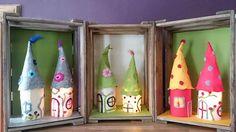 """Wichtelhaus-Lampe aus Filz (Idee mit Anleitung – Klick auf """"Besuchen""""!) - Damit die Weihnachtswichtel nicht frieren, sollten sie ein Haus gebastelt bekommen - am besten mit warmen LED-Licht!"""