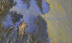 Deutschland neue Radarsatellit TanDEM-X hat seine ersten Bilder zurückgegeben.     Der Satellit wurde von Kasachstan am Montag auf einer Mission,um die präziseste 3D-Karte von der Erdoberfläche machen gestartet.     Die Bilder zeigen die Plattform in bester Gesundheit und bereit zur Zusammenarbeit mit der TerraSAR-X-Satelliten im Jahr 2007 ins Leben gerufen.     Gemeinsam werden die beiden die Variation in der Höhe auf der ganzen Welt zu einer Genauigkeit von besser als zwei Metern zu…