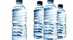 10 Alasan Tidak Minum Air Dalam Kemasan - Anda mengira air minum botolan bebas dari bahaya? Belum tentu.