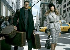 Carrie and Big ♡♡! Carrie And Big, Wooden Bedroom, Fashion Looks, Sarah Jessica Parker, Carrie Bradshaw, Travel Style, Louis Vuitton, Celebs, Plus Size