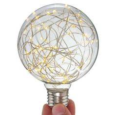 Číre LED tvoria LED žiarovky s čírym transparentným sklom. Led, Light Bulb, Lighting, Home Decor, Globe, Decoration Home, Room Decor, Light Globes, Lights