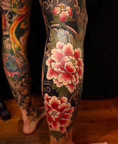 Japanese leg sleeve tattoo by @kanae_tattooer. #japaneseink #japanesetattoo #irezumi #tebori #colortattoo #colorfultattoo #cooltattoo #largetattoo #legtattoo #tattoosleeve #legsleeve #flowertattoo #peonytattoo #blackwork #blackink #blacktattoo #wavetattoo #naturetattoo