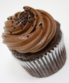 Java Porter Cupcakes - I'm not a huge cupcake fan, but this could be good with Atwater Vanilla Java Porter Beer Cupcakes, Baking Cupcakes, Cupcake Recipes, Cupcake Cakes, Chocolate Stout, Mint Chocolate, Chocolate Icing, Beer Recipes, Baking Recipes