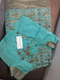 Discover thousands of images about deol Elegant Designer Indian Sari Click Visit link to read Saree Blouse Neck Designs, Simple Blouse Designs, Stylish Blouse Design, Blouse Patterns, Jute, Chiffon, Satin, Work Blouse, Silk Sarees