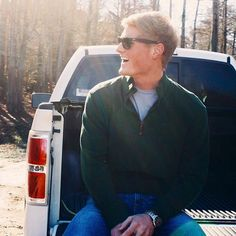 Southern Tide does this thing where they make high quality clothing and they've gone and done it again with this pullover. Not only is this pullover soft, but it is also lightweight making it perfect to carry you into spring.