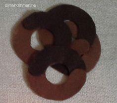 Felt biscuits - Abbracci